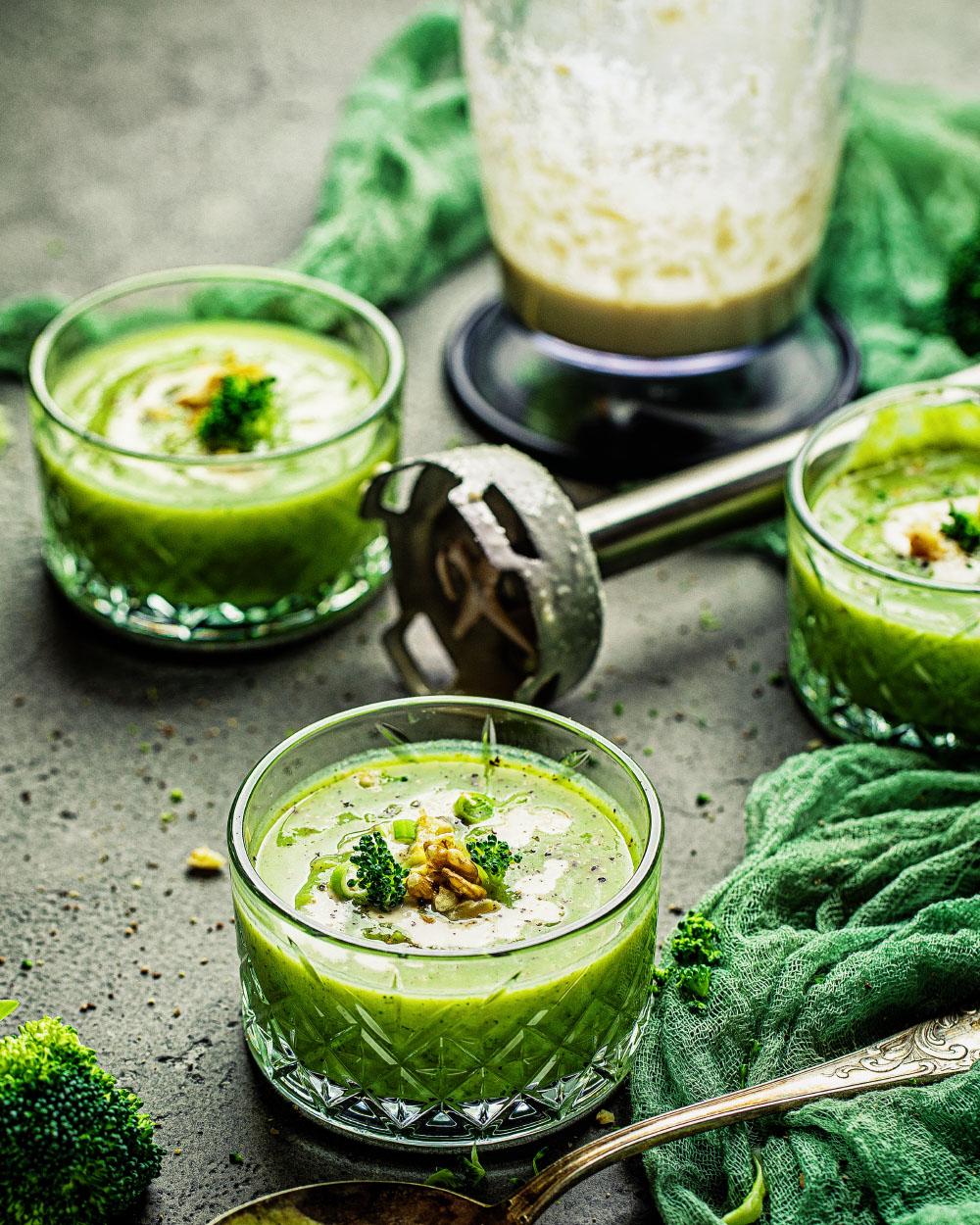 Brokkoli-Suppe vegan - einfaches Rezept fitfood und kalorienarm