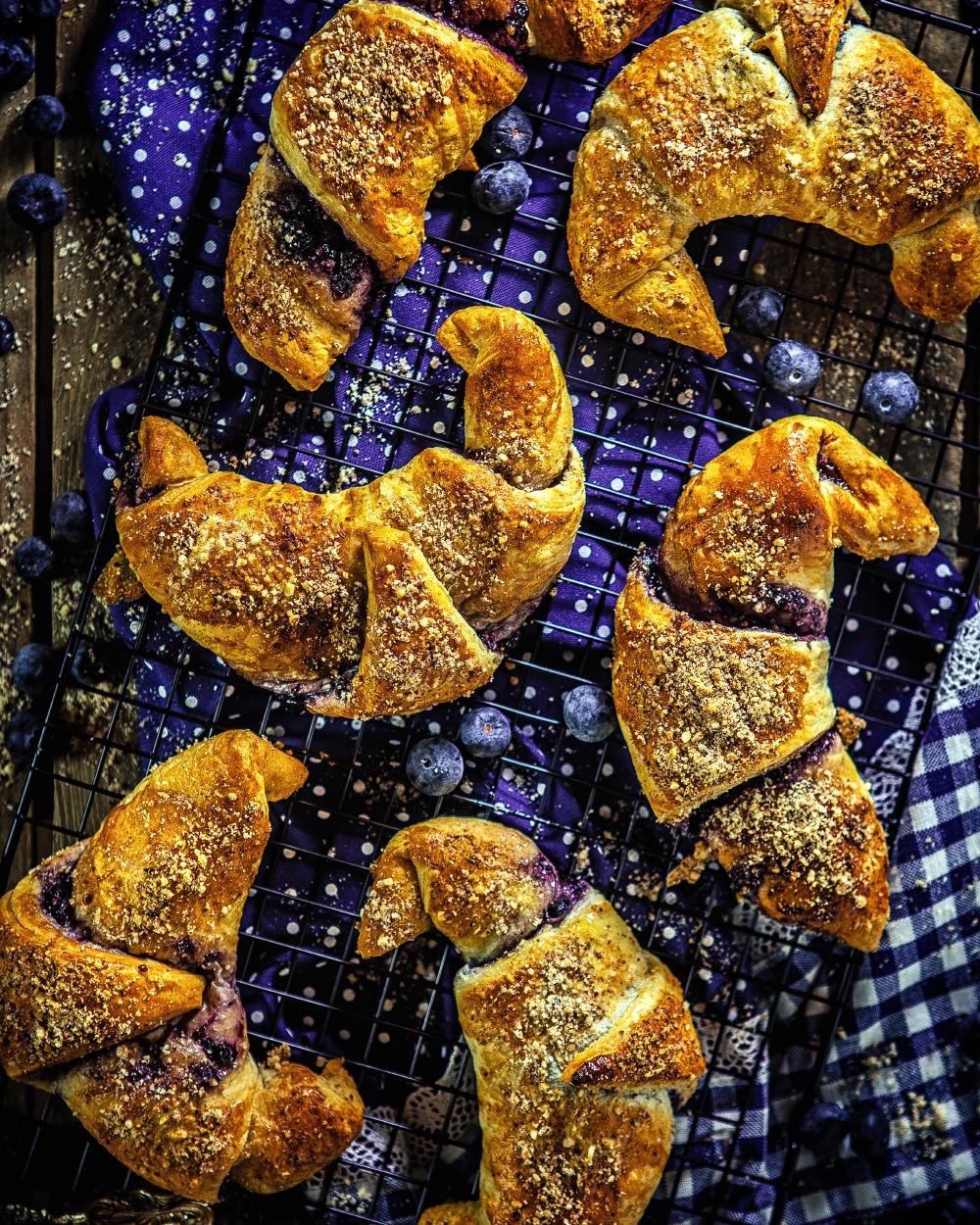 Heidelbeer Haselnuss Croissant