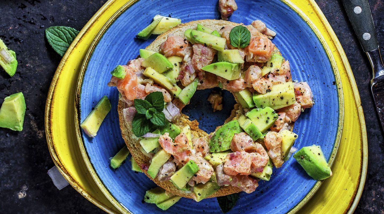 Avocado Lachs Bagel einfaches schnelles gesundes Rezept