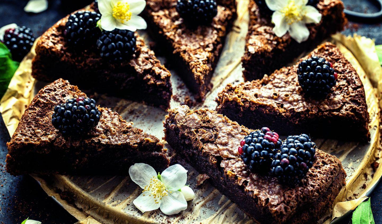 Super saftiger Schokoladen-Brownie-Kuchen einfaches Rezept