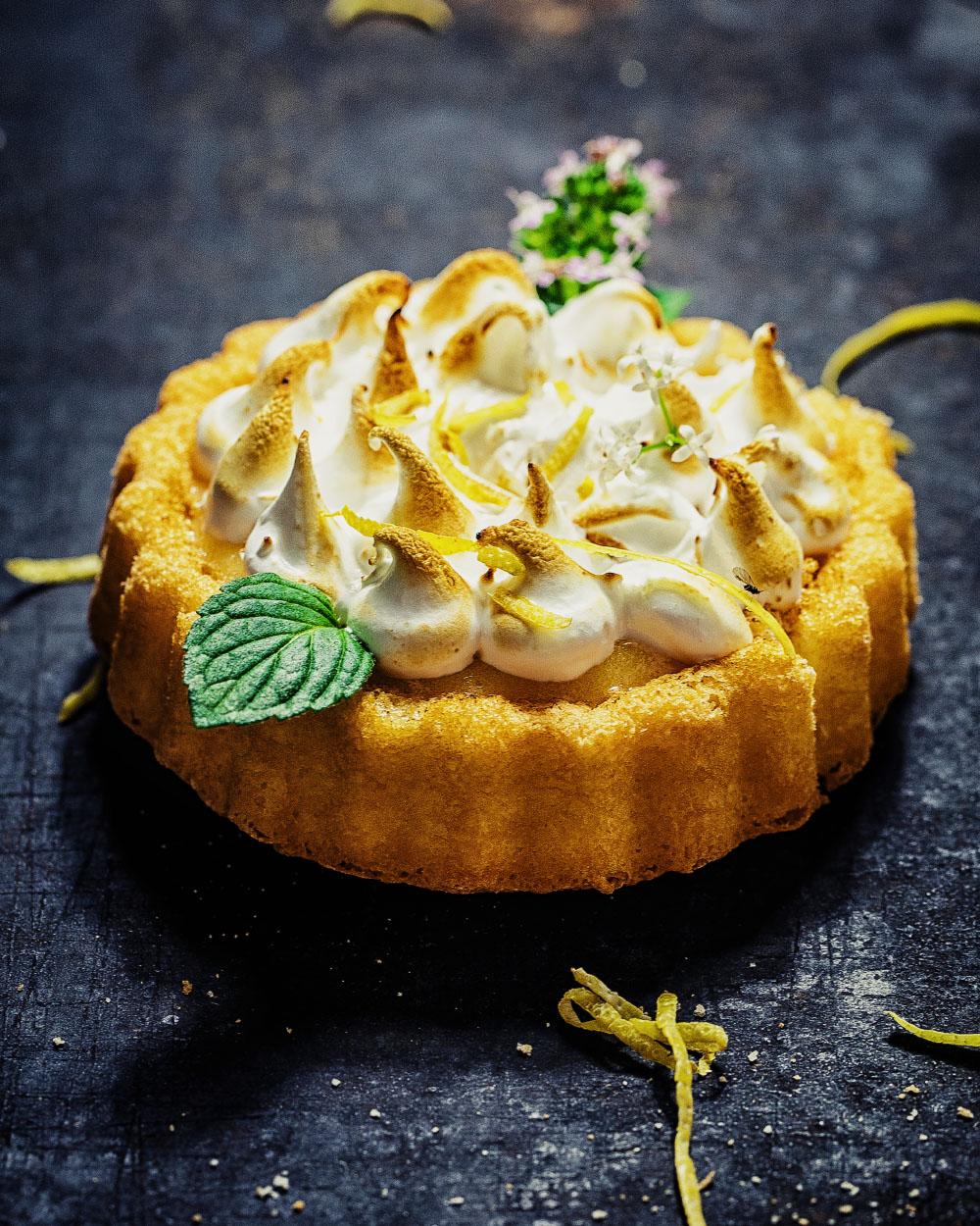 Zitronen-Baiser-Toertchen einfaches Rezept mit fertigen Biskuitboden für meine Mama