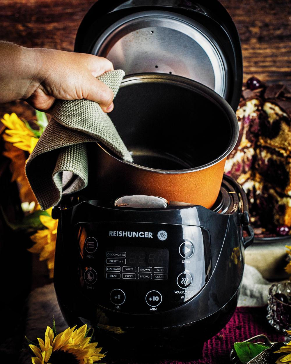 Donauwellen-Torte backen im digitalen Reiskocher von Reishunger einfaches Rezept