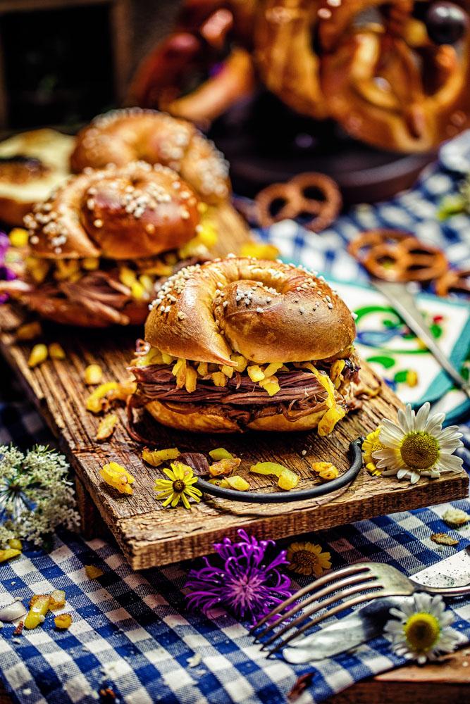 Pulled-Haxe-Burger - einfaches Bofrost Oktoberfest Rezept von Heike Herden