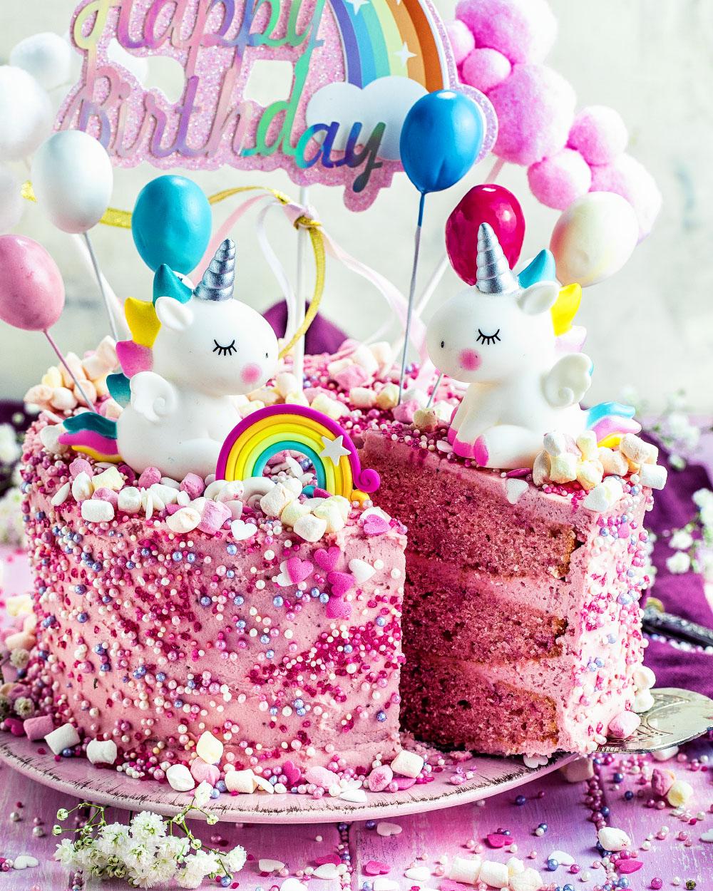Einfache Einhorn-Torte - Geburtstagskuchen für maedchen in rosa pink -schnelles rezept