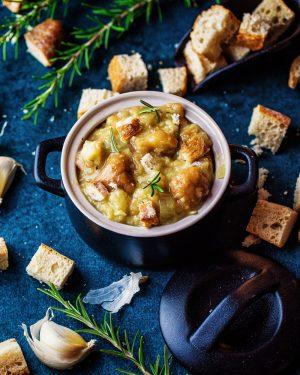 Brotsuppe - einfaches rezept um altes brot sinvoll nutzen - trockenes brot -verwenden aufbrauchen