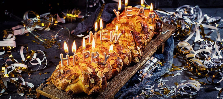 Neujahr-Zopf Bretzel - Marzipan-Mandel-Hefezopf - einfaches Rezept für traditionelles Neujahrsgebäck