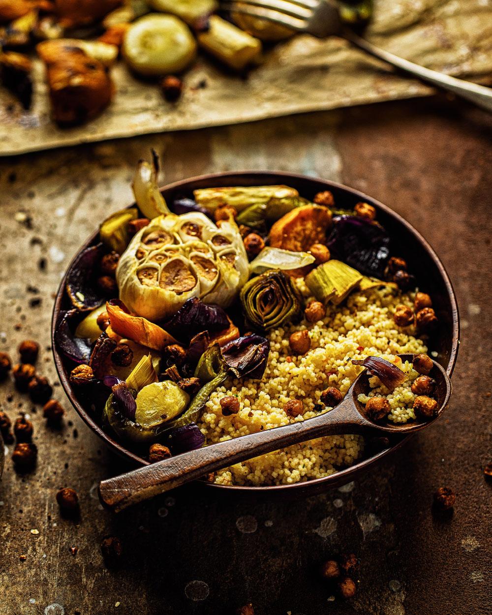 Vegane geroestete gemuese-coucous-bowl einfaches rezept fitfood