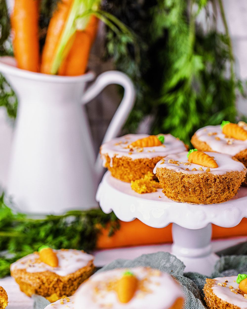 Einfaches Rezept - Möhren-Rübli-Kuchen-Muffins low-carb