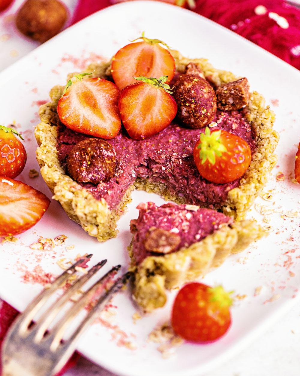 Oatsome Elsa Erdbeer Bliss balls smoothie bowl einfaches rezept tartelettes vegan