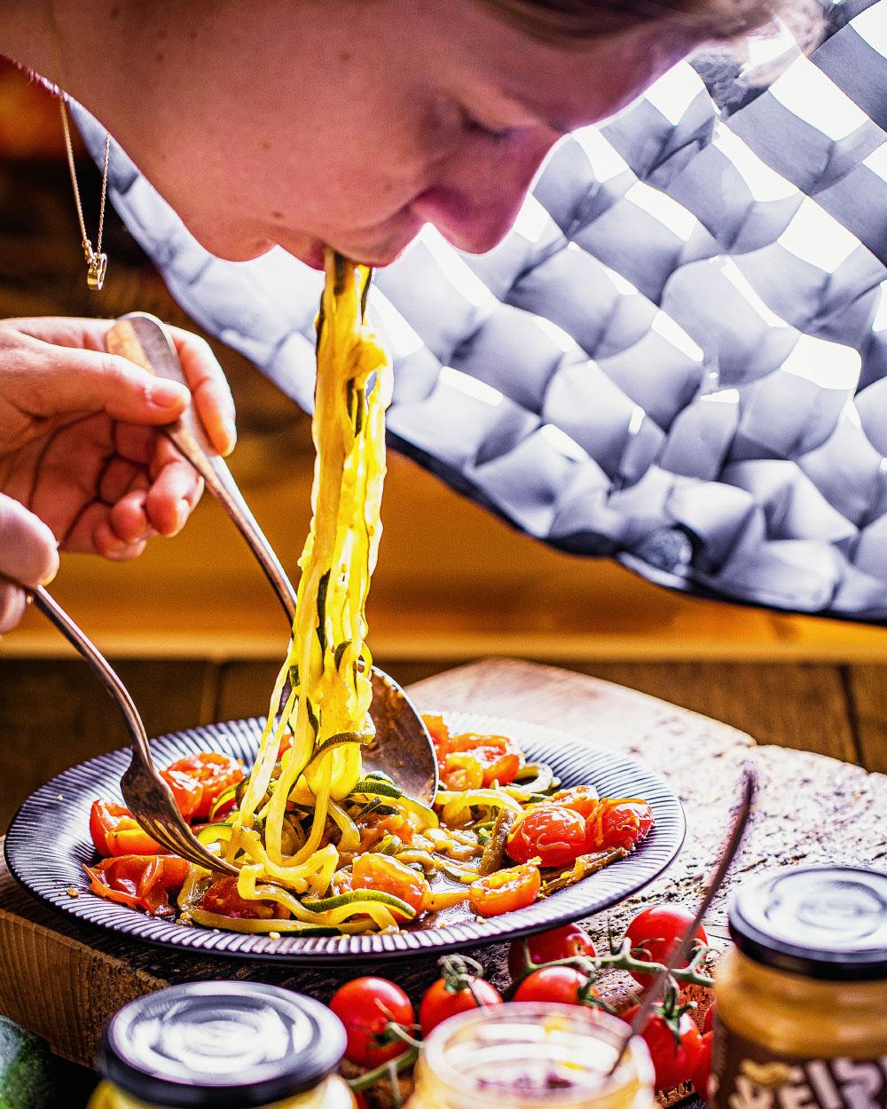 Zucchini-Nudeln - einfaches Rezept schnell kalorienreduziert fitfood lowcarb glutenfrei