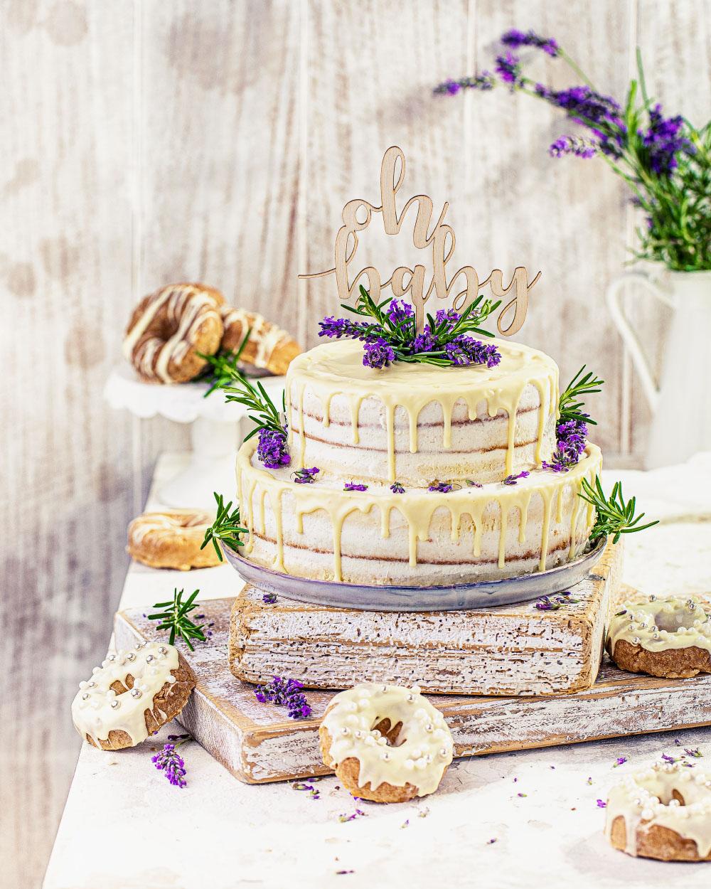 Naked-Cake Baby Shower Torte einfaches rezept selber machen mit fertigen Böden